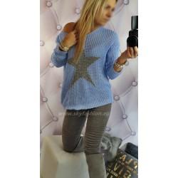 Luźny, ażurowy sweter z dodatkiem błyszczącego akcentu