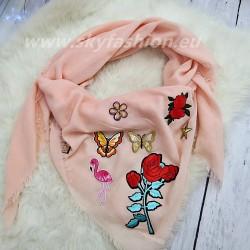 Duży szal, chusta pink z naszywkami