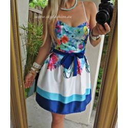 śliczna sukienka w kwiaty rozkloszowana