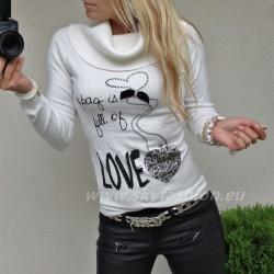 Dopasowany sweter z unikatowymi napisami