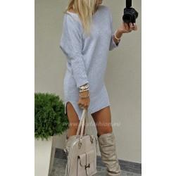 Luksusowy   sweter  oversize z wycięciami po bokach