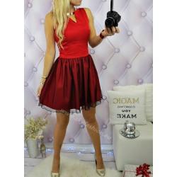 rozkloszowana sukienka wizytowa czerwona, z tiulem