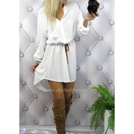 Biała długa koszula klasyczna z paskiem