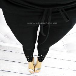 Czarne  spodnie dresowe z perełkami