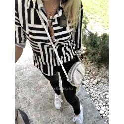Czarno- biała koszula we wzory