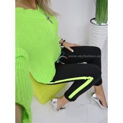 Spodnie dresowe  z neonowymi lampasami