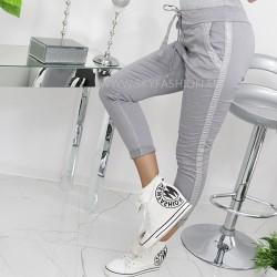 Szare elastyczne  spodnie z lampasami