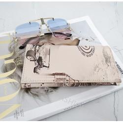 nowy portfel, nadruk, kolor beżowy
