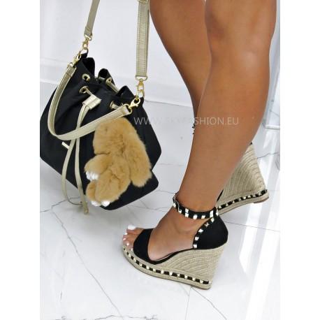 Czarne sandały na koturnie z ćwiekami Lov'it