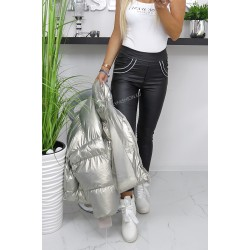 Czarne woskowane spodnie ze srebrnymi lampasami- bardzo dopasowane