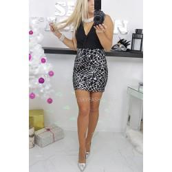 Czarna sukienka szyfonowa na zakładkę