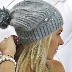 Popielata czapka zimowa z diamentami