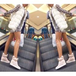 Welurowa sukienka mini we wzory