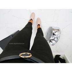 Czarne spodnie rurki  welurowe