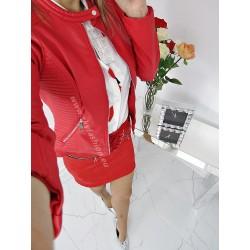 Klasyczna  czerwona kurtka ramoneska